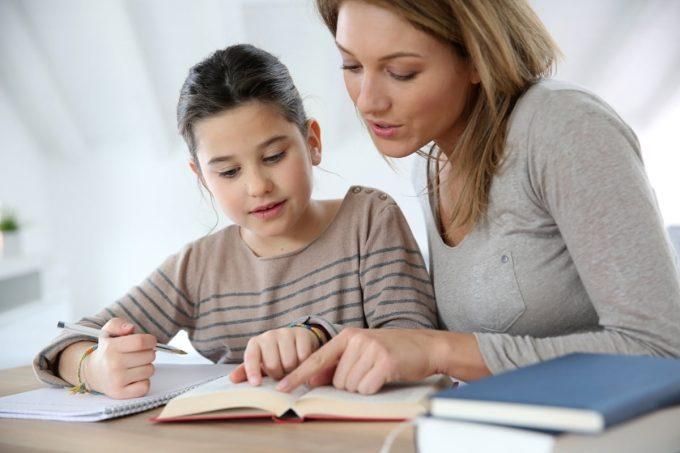 Belajar di rumah bersama ibu